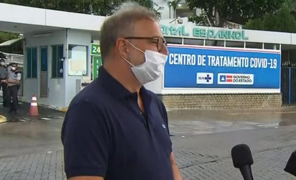 Secretário Fábio Vilas-Boas acredita que surto de paciente foi causado por baixa oxigenação — Foto: Reprodução/TV Bahia