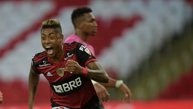 Bruno Henrique comemora seu gol contra o Del Valle